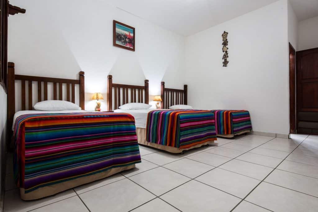 roatan-hotel-triple-room-2